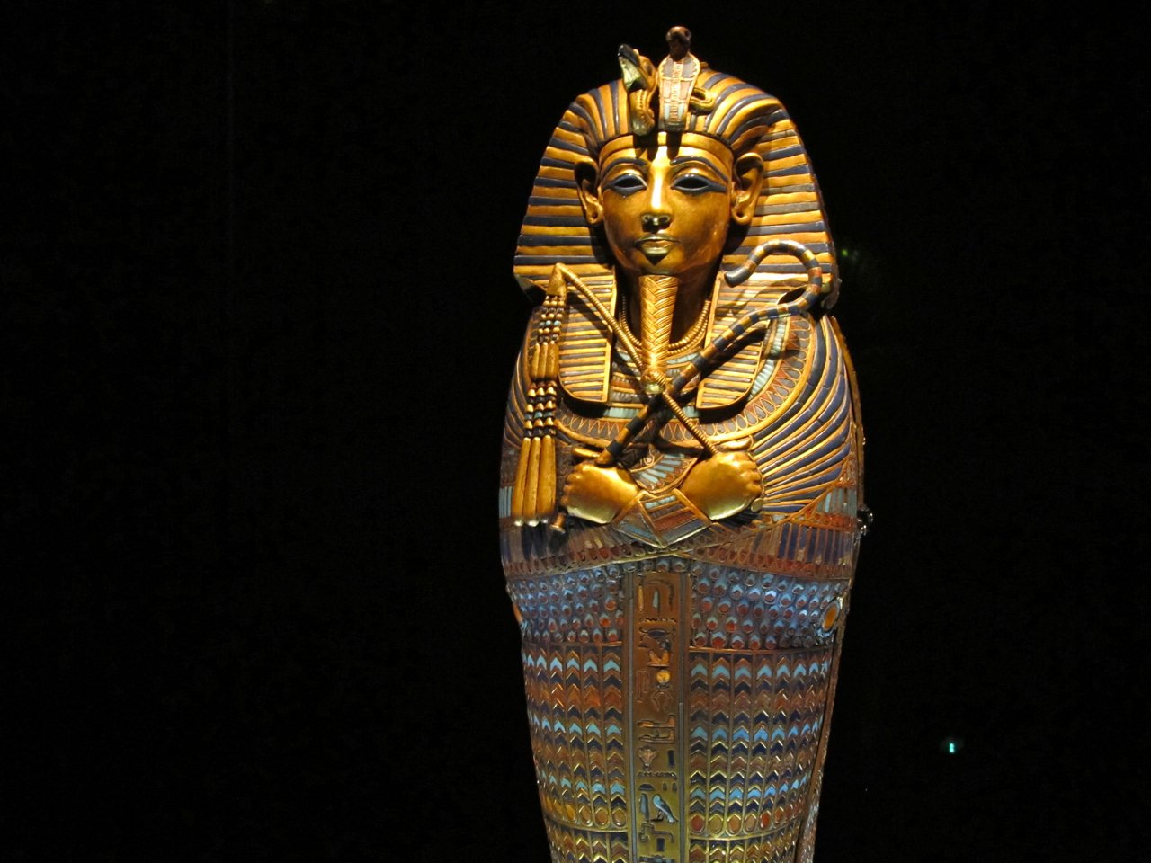 king tut King tut was nicknamed the boy king because he began his reign when he was only nine years old 2 tutankhamun died when he was.